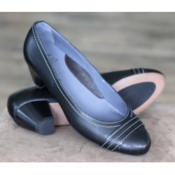 Sioux Lena black court shoe