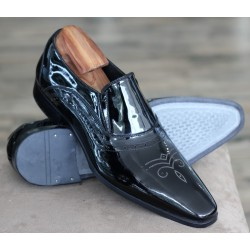 Sulka black patent punched...