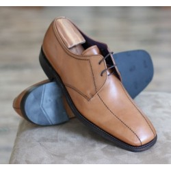 Loake 1359T tan 2 eye twin...